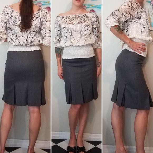 Ted Baker London Dresses & Skirts - Ted Baker London gray pleated pencil skirt